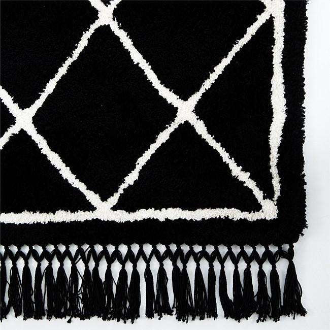 Diamond Moroccan Rug With Tassels