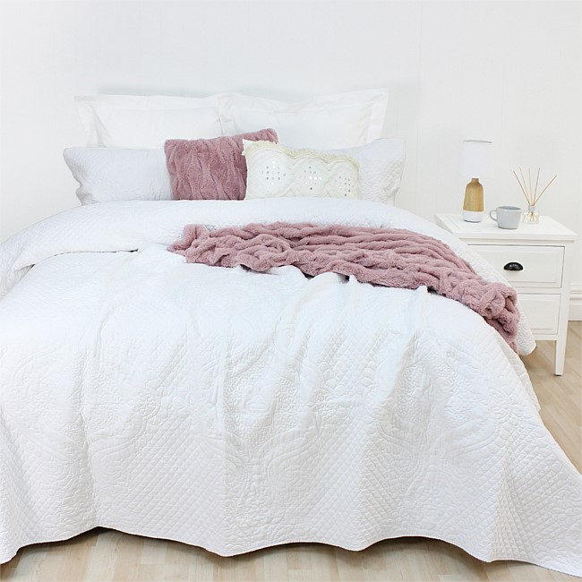 Flourish Peggie White Coverlet Set