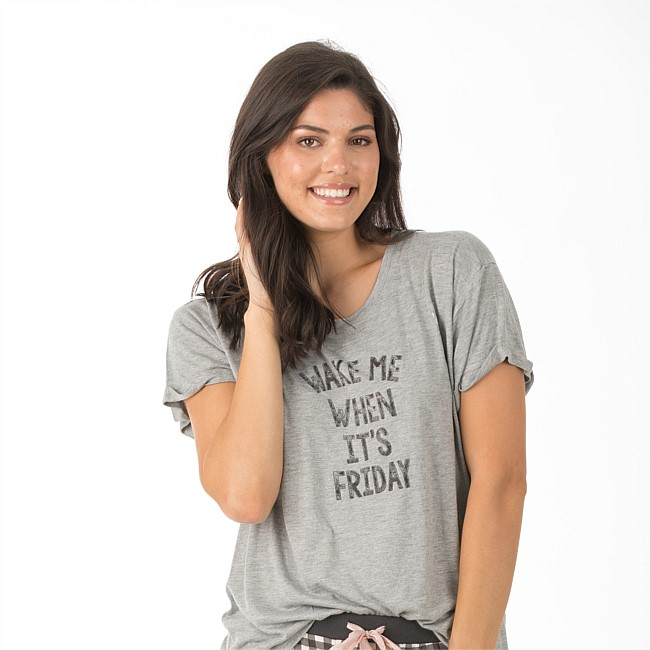 bb&b Sleep Wake Me When Its Friday Comfy Tee