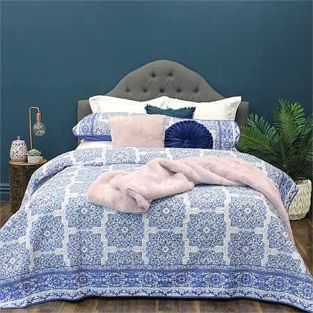 Design Republique Abigail Coverlet Set