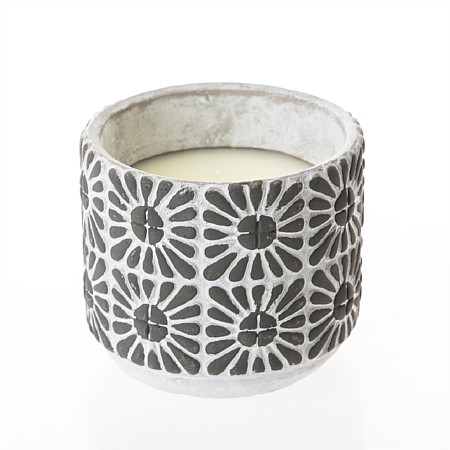 Seaside Supplies Black White Pennant Citronella Candle