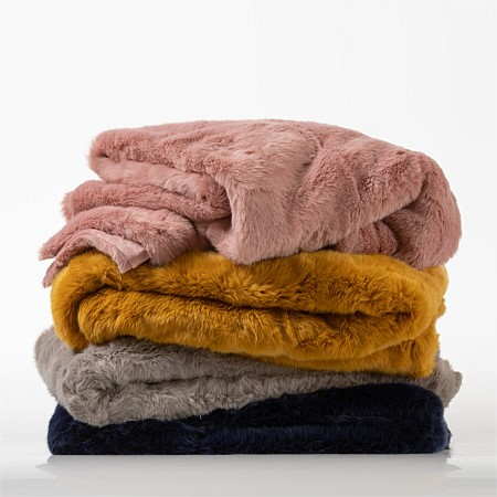 Design Republique Maya Fur Throw