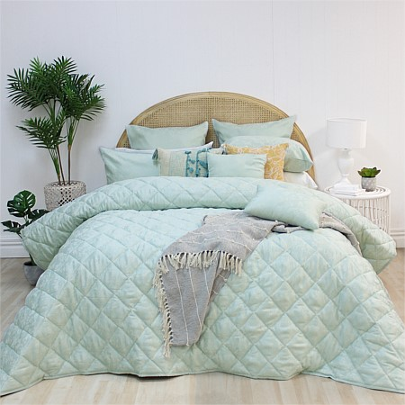Solace Marlin Comforter Set