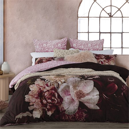 Logan & Mason Rosetta Plum 60% Cotton 40% Polyester Duvet Cover