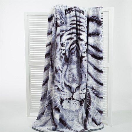 Home Co. White Tiger Photo Mink Blanket